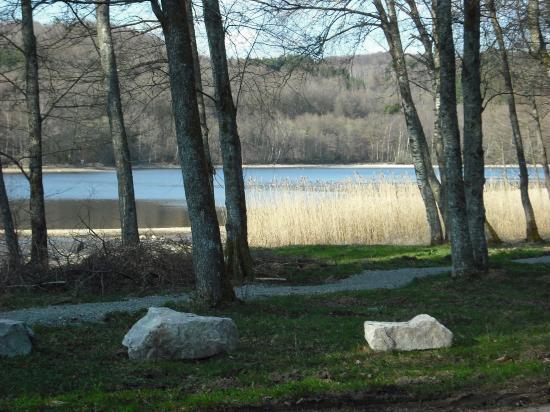 Vue du chalet sur le lac